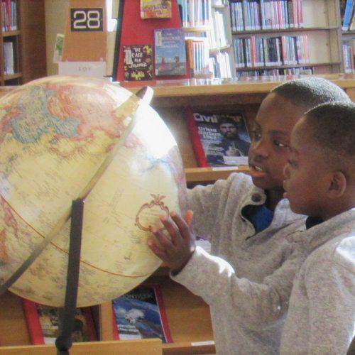 Triplets globe